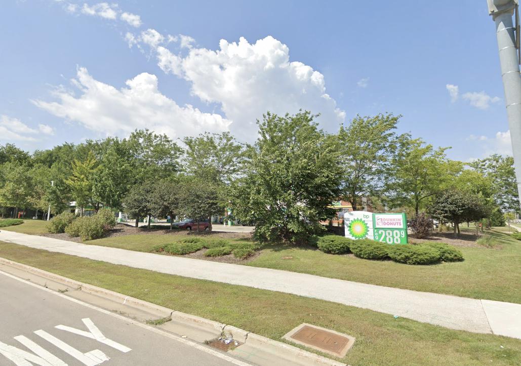 BP gas station in Gurnee, IL (Northwest corner)